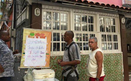 4dfcaf13890 Restaurante entra na onda da quentinha