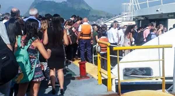 Catamarã Charitas-Praça 15