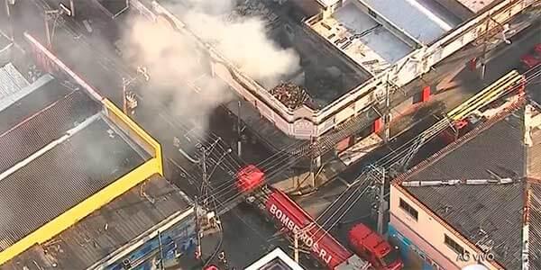 Incêndio destroi cinco lojas no Centro de Niteroi
