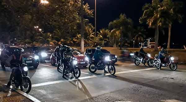 motos barulhentas