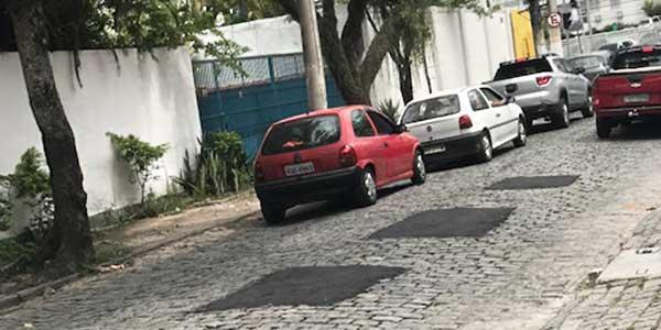remendo de asfalto em paralelepípedo