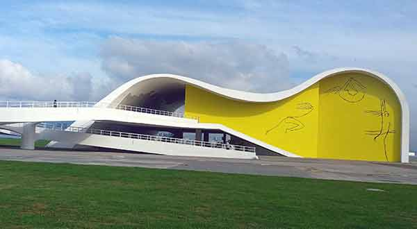 Caminho Niemeyer, Teatro Popular