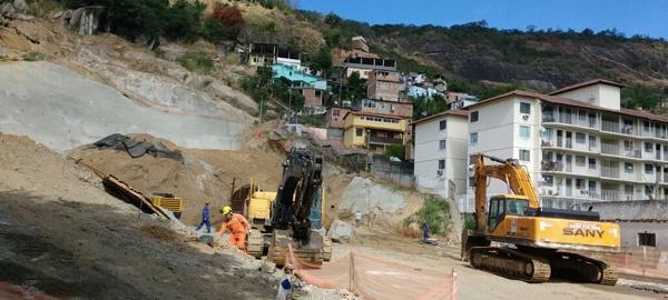 Operário retomam a obra do túnel paralisada por ordem de traficantes do Preventório