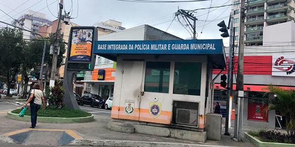 Cabine da PM fechada no Largo do Marrão