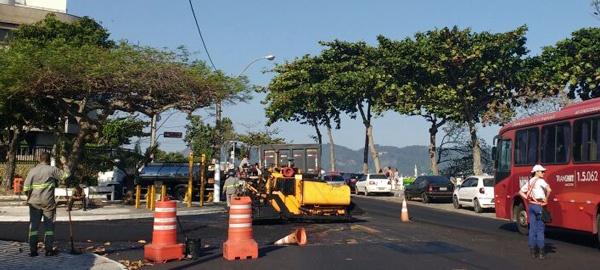 Prefeitura de Niterói recapeia Avenida Milton Tavares de Souza, por onde a tocha olímpica vai passar