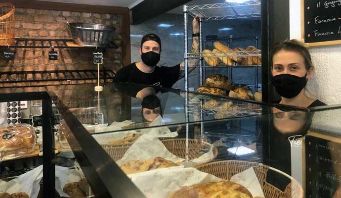 Baguettes, croissants, pães rústicos
