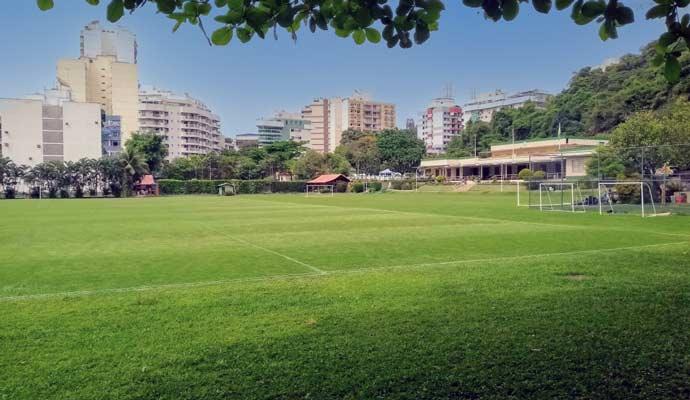 Campo de futebol interditado