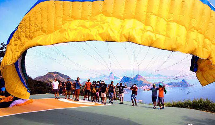 Pilotos de voo livre no Parque da Cidade / Foto: Alaor Filho